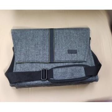 Clearance (New Old Stock)  Nikon DSLR camera bag (L)